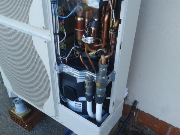 Applitek referenze for Impianto di riscaldamento con pompa di calore